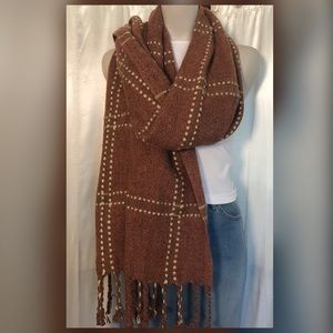 Accessories - Adorable fringe wrap/scarf